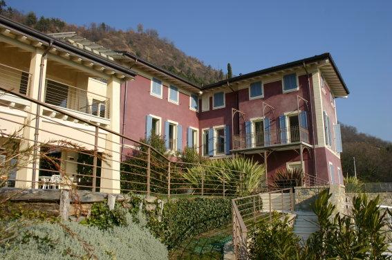 Soluzione Indipendente in vendita a Salò, 6 locali, Trattative riservate | CambioCasa.it
