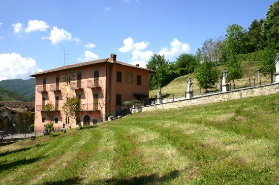 Villa in vendita a Alzano Lombardo, 20 locali, Trattative riservate | PortaleAgenzieImmobiliari.it