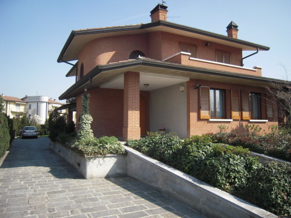 Villa in Vendita a Mozzanica