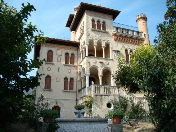 Villa in Vendita a Caneva