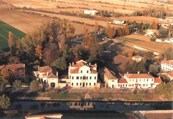 Villa in Vendita a Mira
