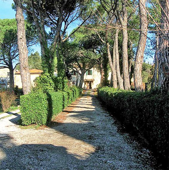 Palazzo / Stabile in vendita a Vaglia, 20 locali, Trattative riservate | CambioCasa.it