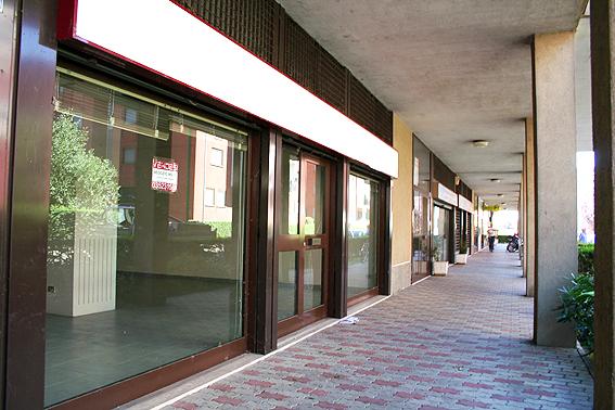Negozio / Locale in vendita a Zibido San Giacomo, 1 locali, prezzo € 90.000 | CambioCasa.it