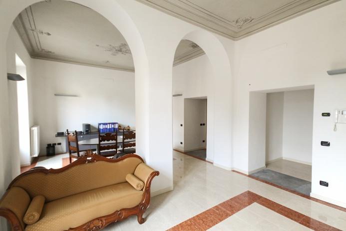 Ufficio / Studio in affitto a Ranica, 4 locali, prezzo € 1.300 | CambioCasa.it