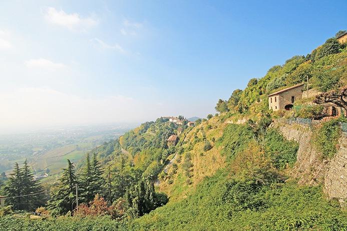Albergo in affitto a Bergamo, 20 locali, Trattative riservate | CambioCasa.it