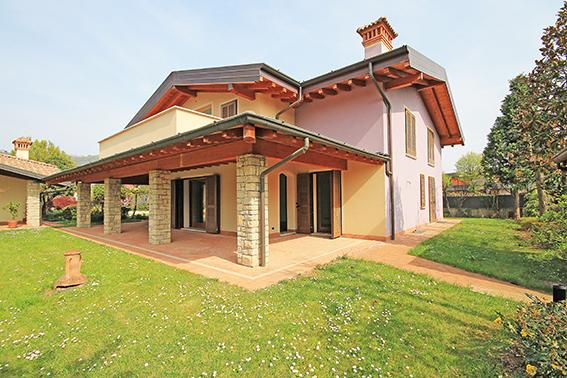 Villa in vendita a Coccaglio, 10 locali, prezzo € 670.000 | PortaleAgenzieImmobiliari.it