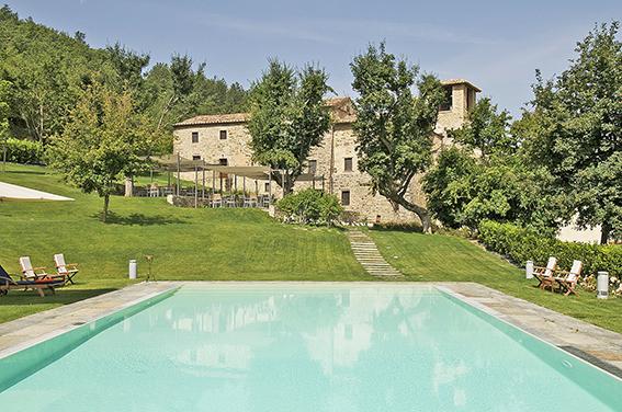 Albergo in vendita a Città di Castello, 30 locali, Trattative riservate | CambioCasa.it