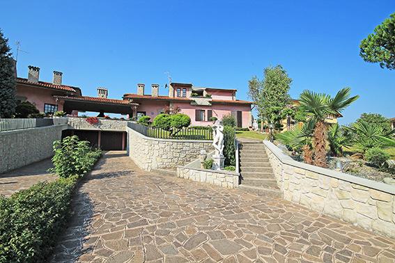 Villa in vendita a Torre de' Roveri, 5 locali, prezzo € 980.000 | PortaleAgenzieImmobiliari.it