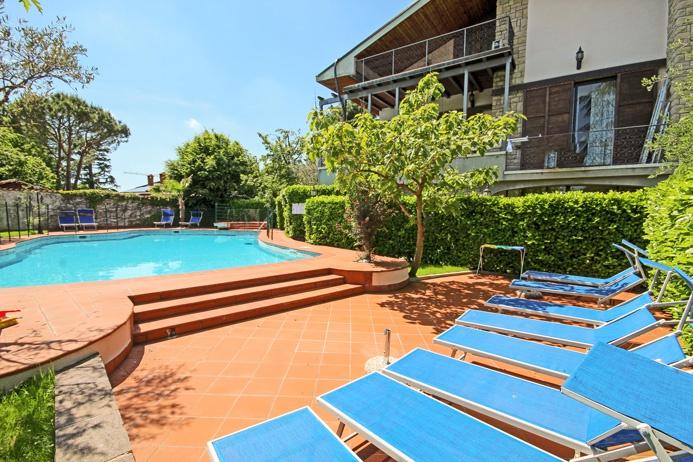 Villa in ottime condizioni arredato in affitto Rif. 5375664