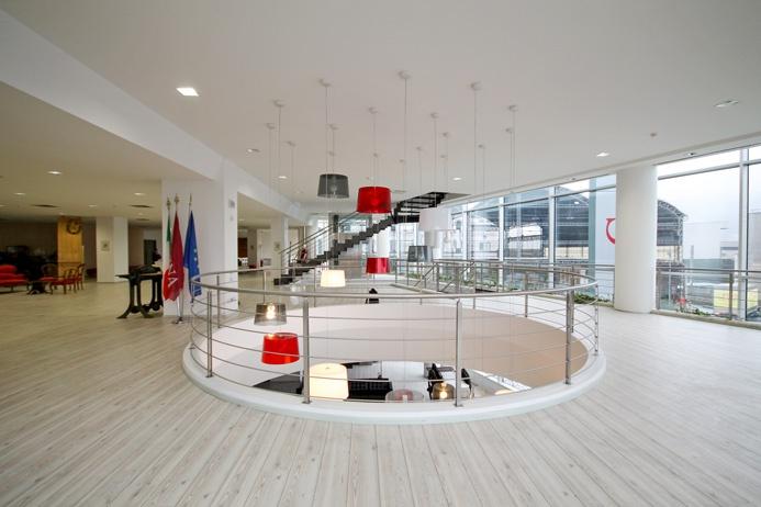 Ufficio / Studio in affitto a Alzano Lombardo, 10 locali, prezzo € 15.800   PortaleAgenzieImmobiliari.it