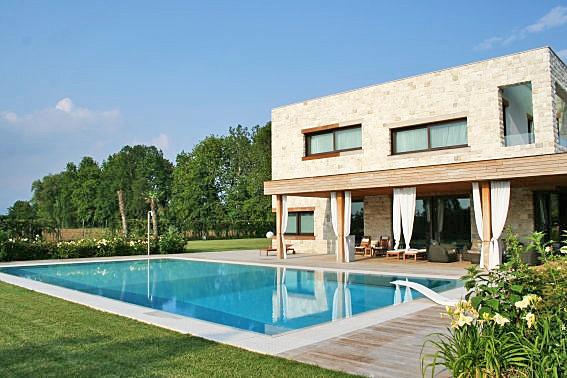 Villa in vendita a Boltiere, 12 locali, Trattative riservate | PortaleAgenzieImmobiliari.it