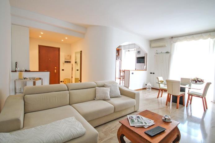 Appartamento in ottime condizioni in vendita Rif. 6834041