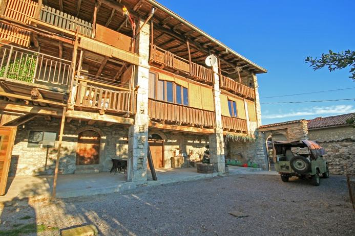 Casa Indipendente in buone condizioni in vendita Rif. 8824317