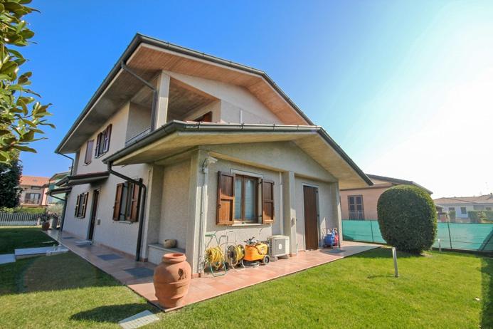 azzano san paolo vendita quart:  studio immobiliare valle - flaminia s.r.l.