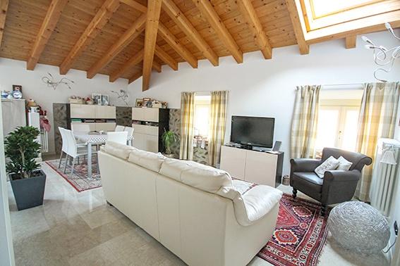Attico / Mansarda in vendita a Ranica, 2 locali, prezzo € 230.000 | PortaleAgenzieImmobiliari.it