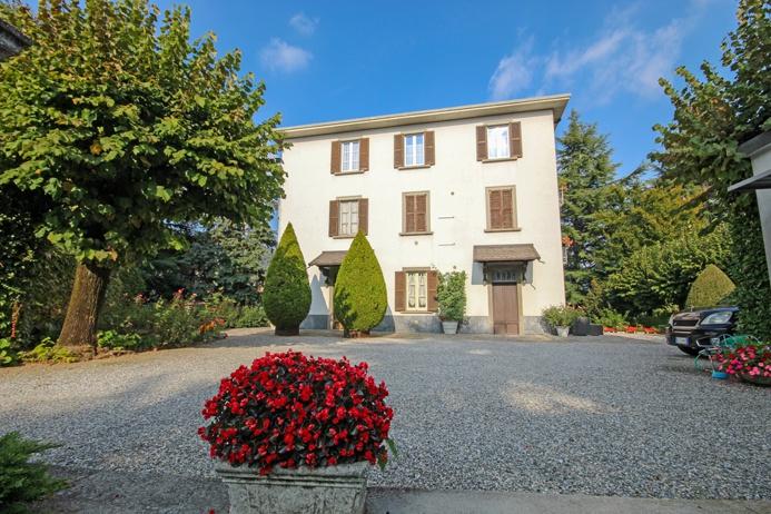 Villa in vendita a Almenno San Salvatore, 16 locali, prezzo € 880.000 | PortaleAgenzieImmobiliari.it