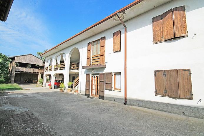 Soluzione Indipendente in vendita a Caravaggio, 12 locali, prezzo € 280.000 | PortaleAgenzieImmobiliari.it