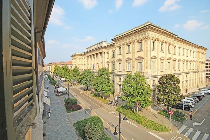 Ufficio / Studio in affitto a Bergamo, 5 locali, prezzo € 2.500 | PortaleAgenzieImmobiliari.it