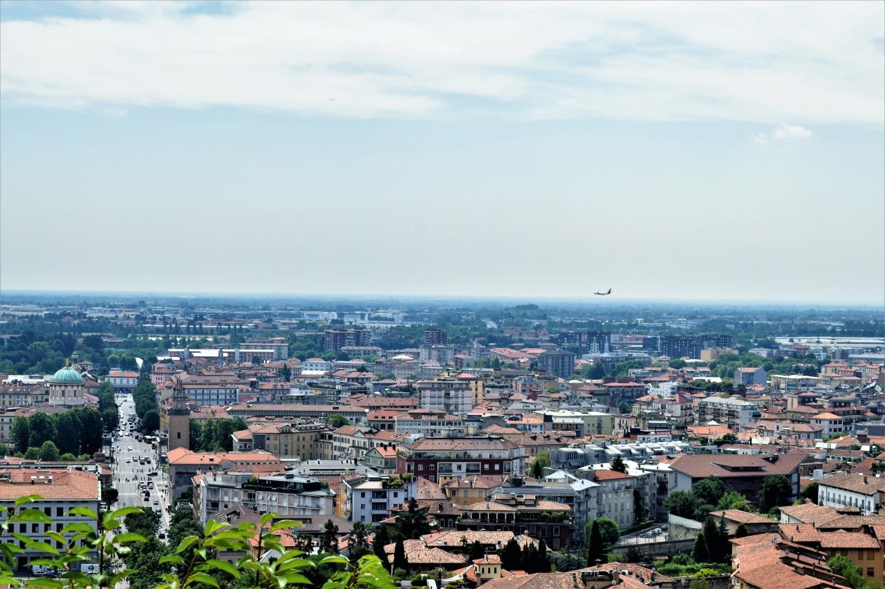 Ufficio / Studio in affitto a Bergamo, 3 locali, prezzo € 1.833 | PortaleAgenzieImmobiliari.it