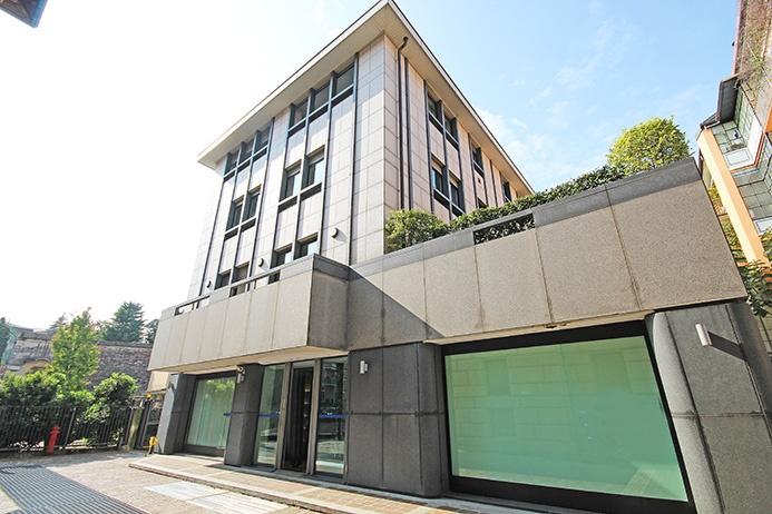 Ufficio / Studio in affitto a Bergamo, 34 locali, prezzo € 12.500 | PortaleAgenzieImmobiliari.it