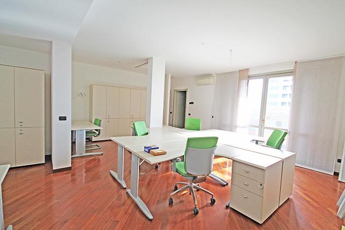 Ufficio / Studio in affitto a Bergamo, 2 locali, prezzo € 800 | PortaleAgenzieImmobiliari.it
