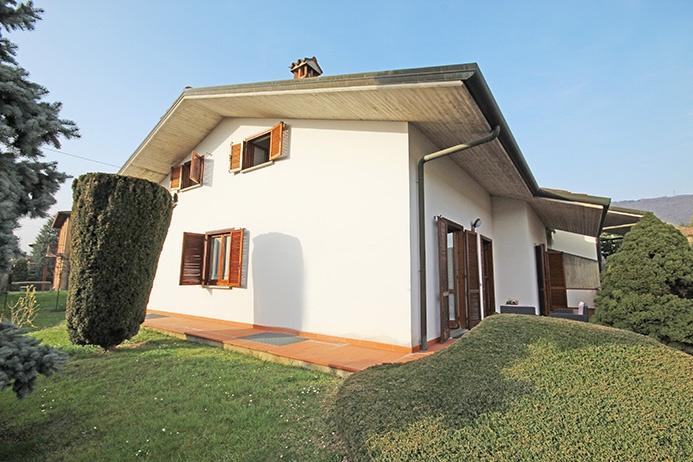 Villa in vendita a Ponteranica, 9 locali, prezzo € 490.000 | PortaleAgenzieImmobiliari.it