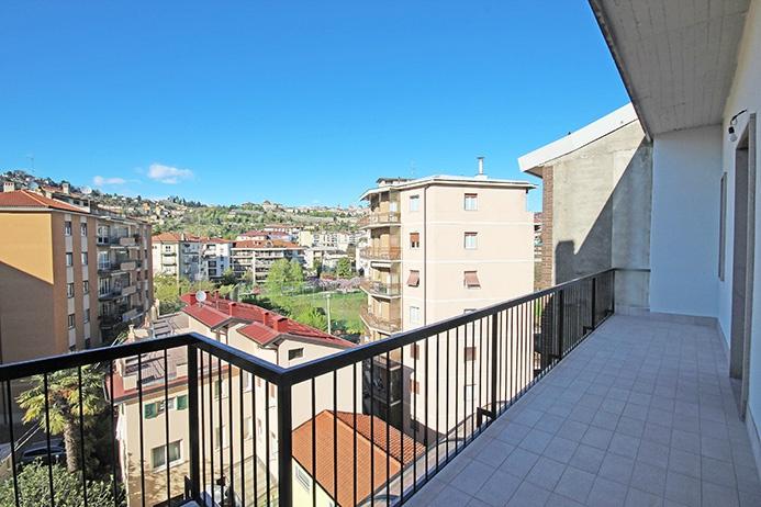 Attico / Mansarda in vendita a Bergamo, 4 locali, prezzo € 329.000   PortaleAgenzieImmobiliari.it