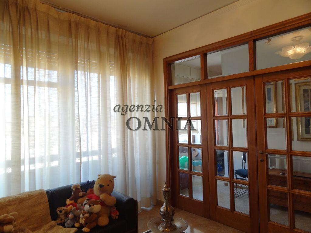 vendita appartamento firenze porta a prato / san iacop  350000 euro  5 locali  110 mq
