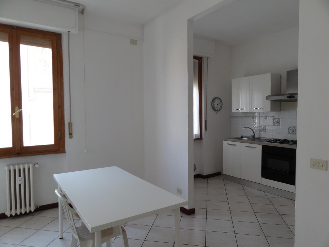 Appartamento in buone condizioni in affitto Rif. 11305227
