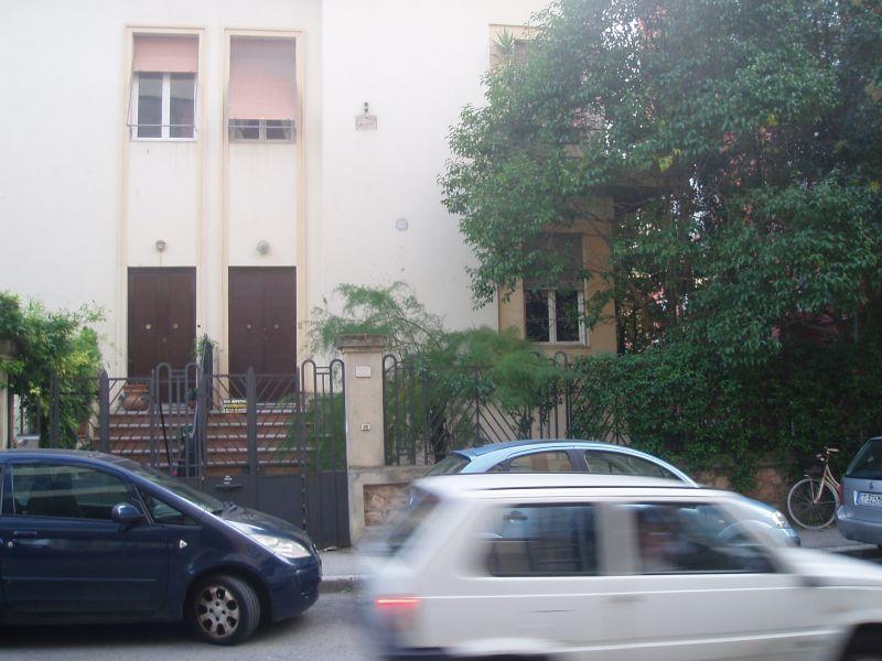 Soluzione Indipendente in affitto a Grosseto, 6 locali, zona Località: (ZONA CENTRALE), prezzo € 1.600 | Cambiocasa.it