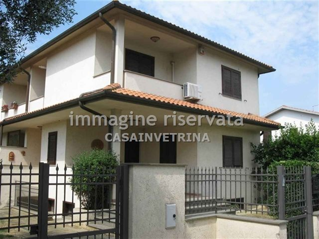 Villetta a schiera in ottime condizioni in vendita Rif. 8026135