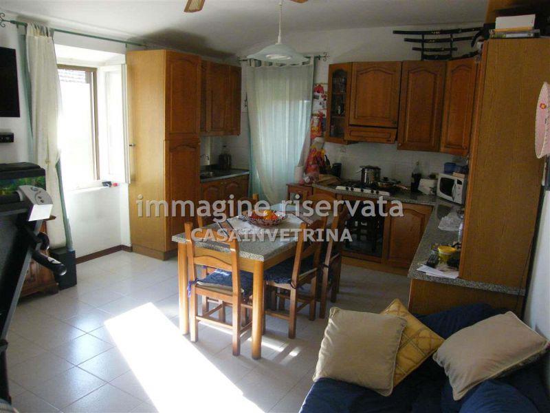 Appartamento in vendita a Cinigiano, 4 locali, zona Località: POGGI DEL SASSO, prezzo € 95.000 | Cambio Casa.it
