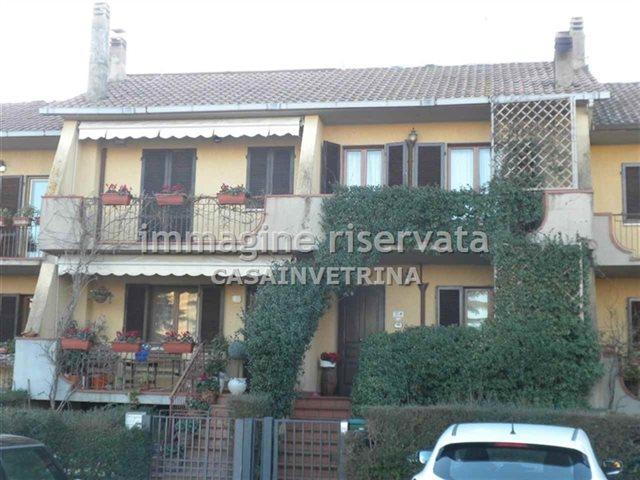 Villetta a schiera in buone condizioni in vendita Rif. 8026112