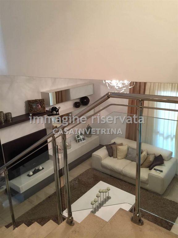 Villetta a schiera in ottime condizioni arredato in vendita Rif. 8026150