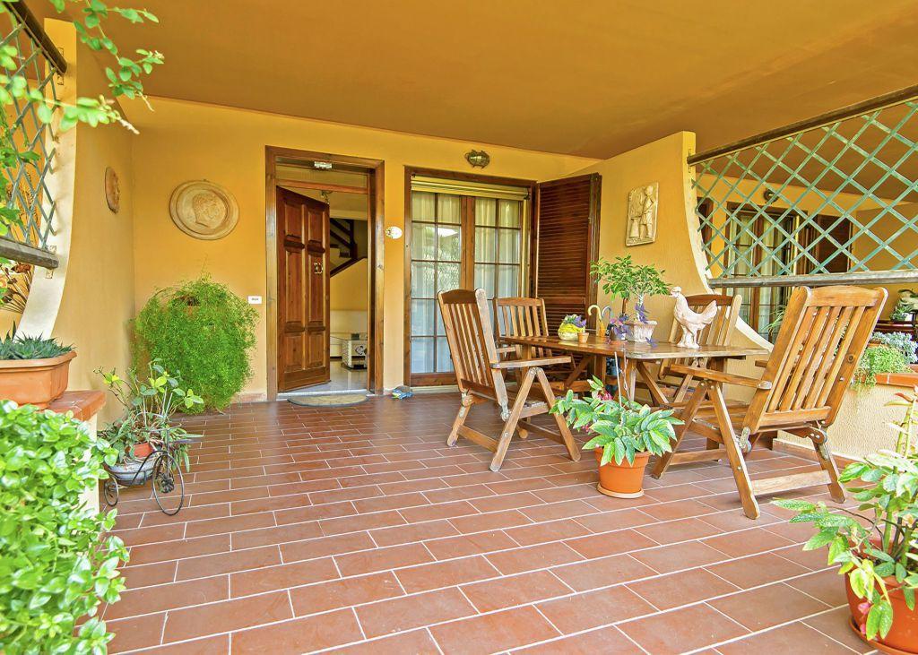 Soluzione Indipendente in vendita a Grosseto, 4 locali, zona Località: CENTRALE, prezzo € 335.000 | Cambio Casa.it