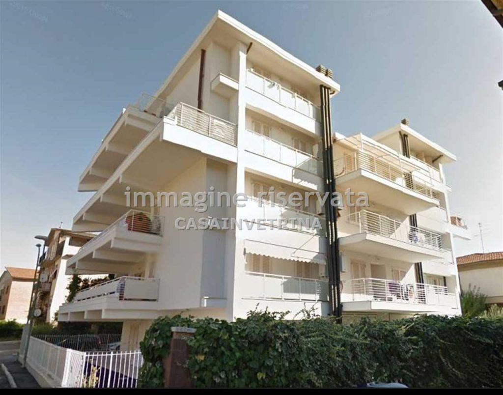 Appartamento in affitto a Grosseto, 4 locali, zona Località: STADIO, prezzo € 700 | Cambio Casa.it
