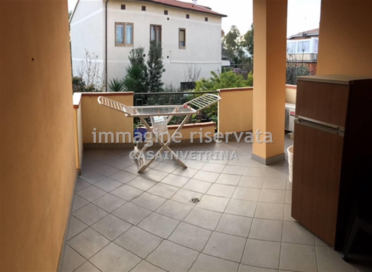 Appartamento in ottime condizioni arredato in affitto Rif. 8556859