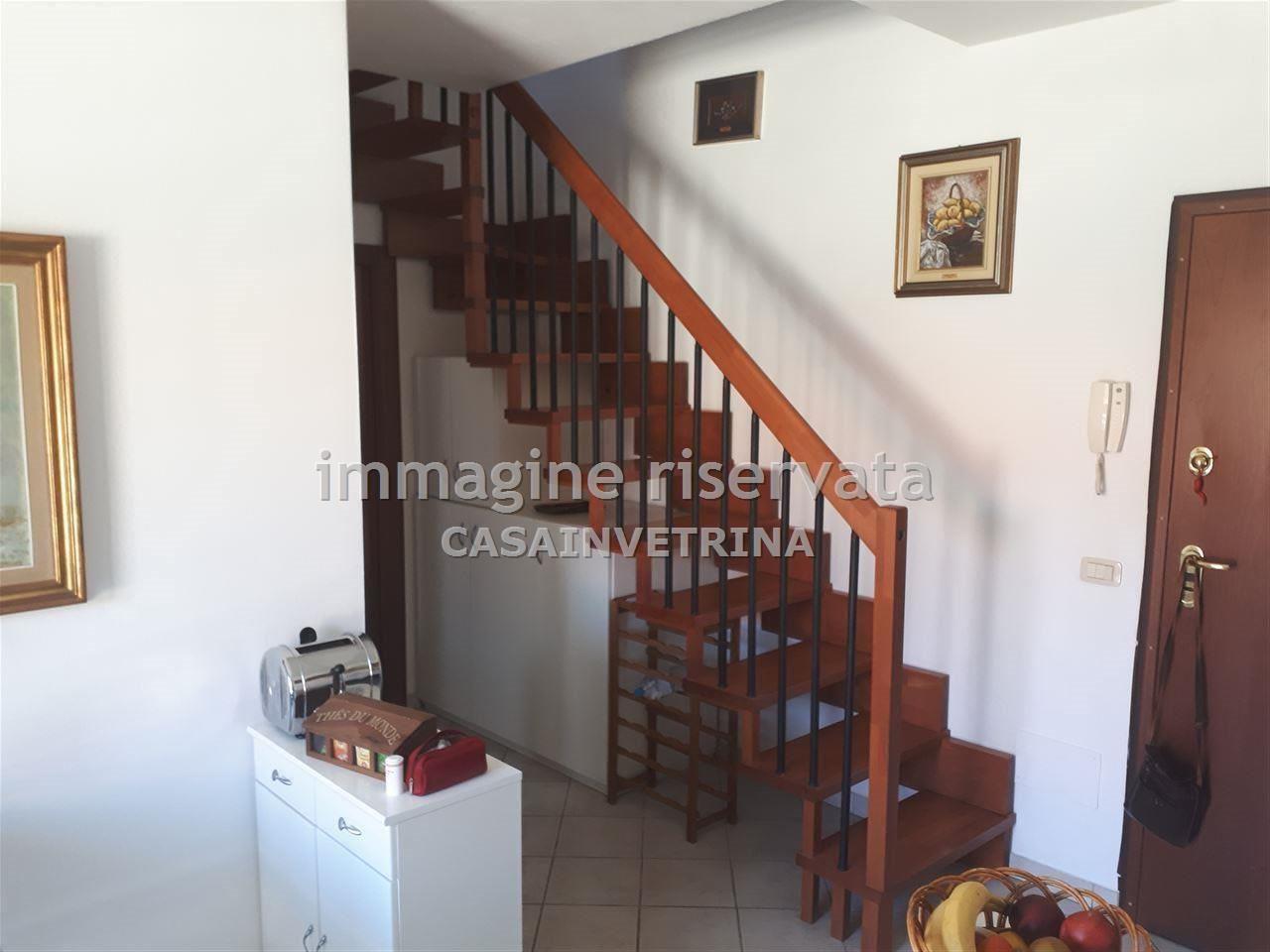 Appartamento in ottime condizioni arredato in affitto Rif. 8784085