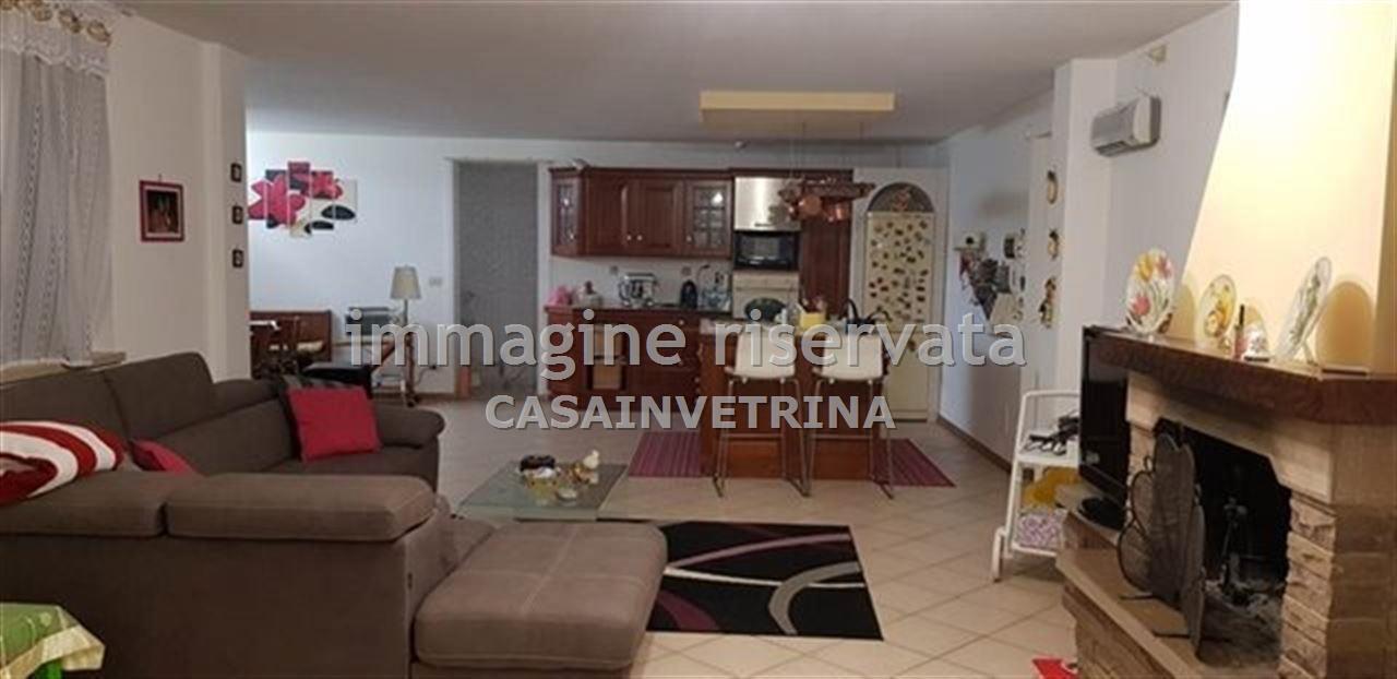 Villetta a schiera in ottime condizioni arredato in vendita Rif. 9056751