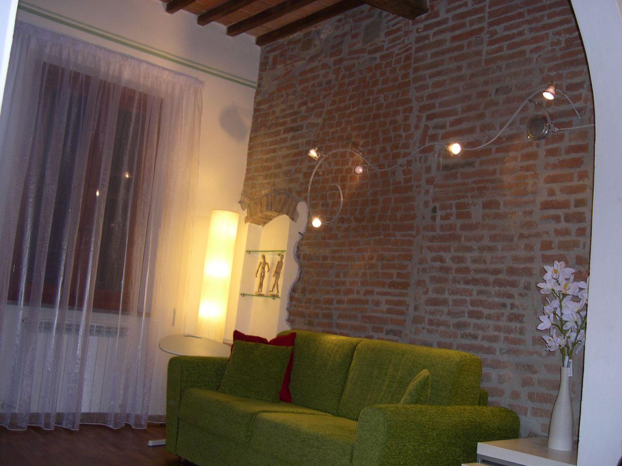 Appartamento in ottime condizioni arredato in affitto Rif. 9093578