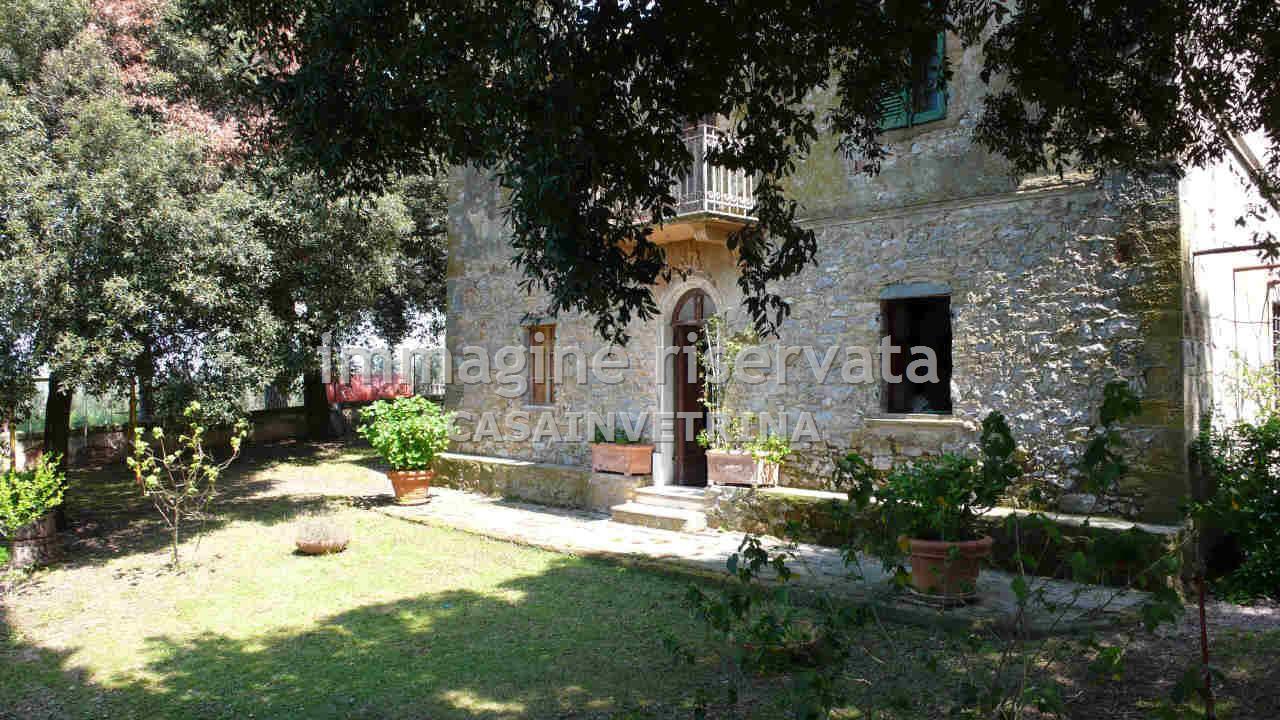 Villa in discrete condizioni in vendita