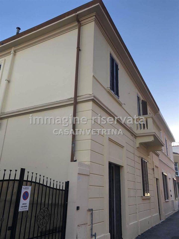 Villetta a schiera in buone condizioni in vendita Rif. 9571087