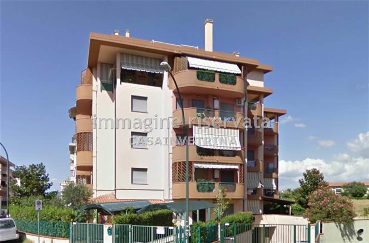Appartamento in ottime condizioni arredato in vendita Rif. 10069899