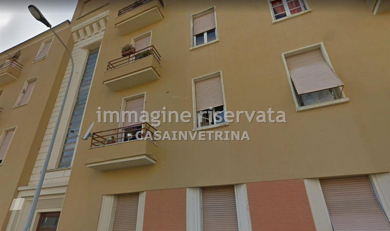 Appartamento in buone condizioni arredato in affitto Rif. 10089907