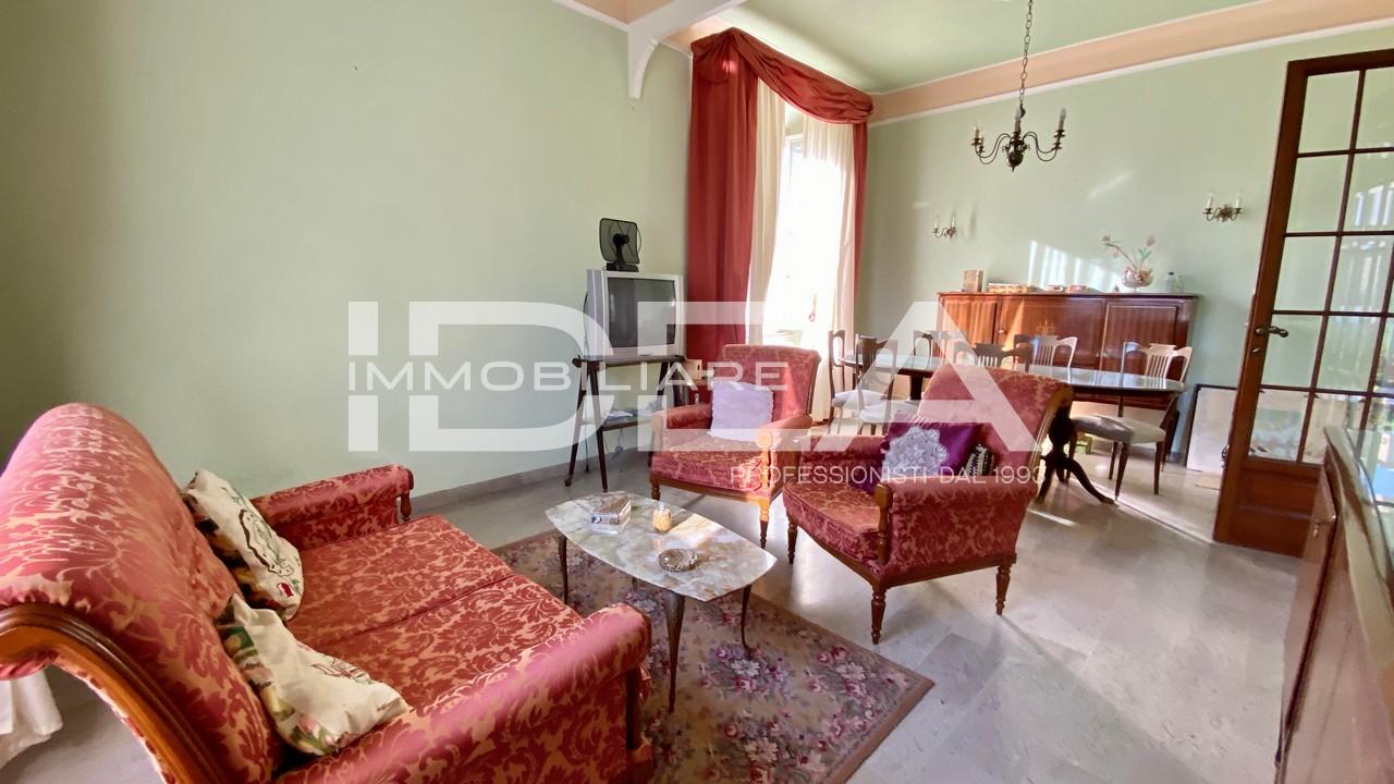 Villa 6 locali in vendita a Lucca (LU)
