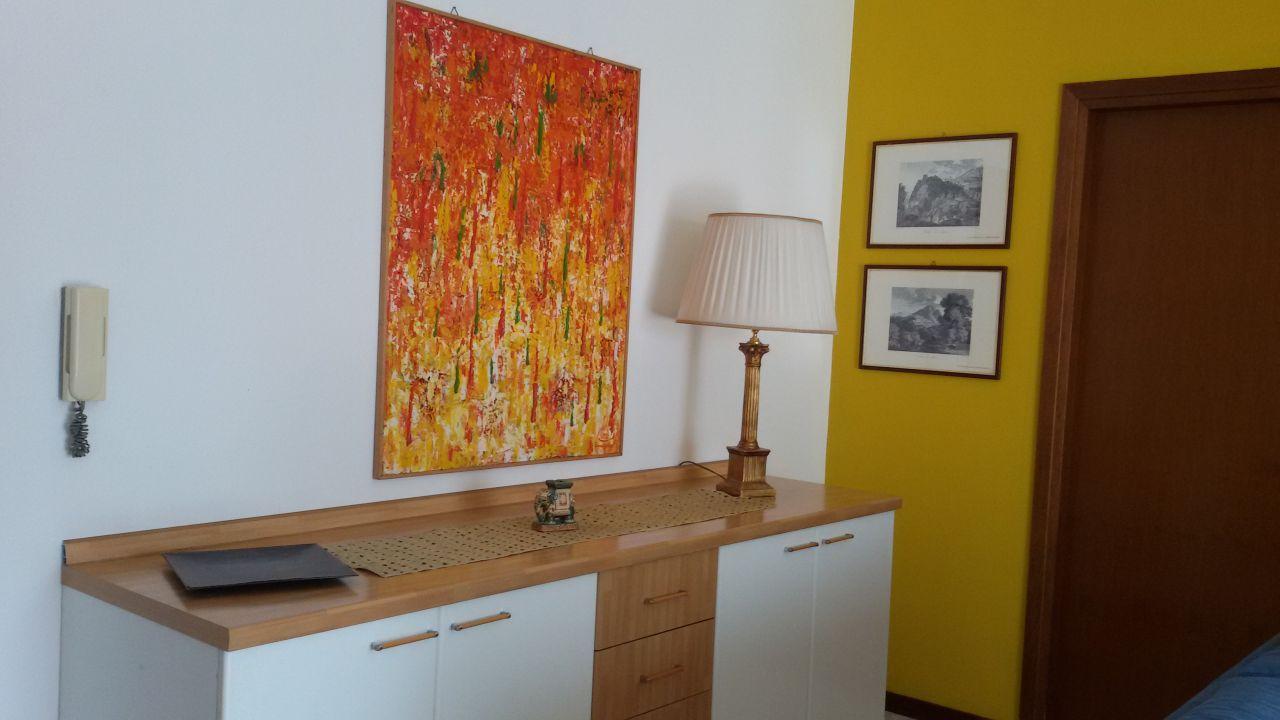 Appartamento in buone condizioni arredato in affitto Rif. 9204620