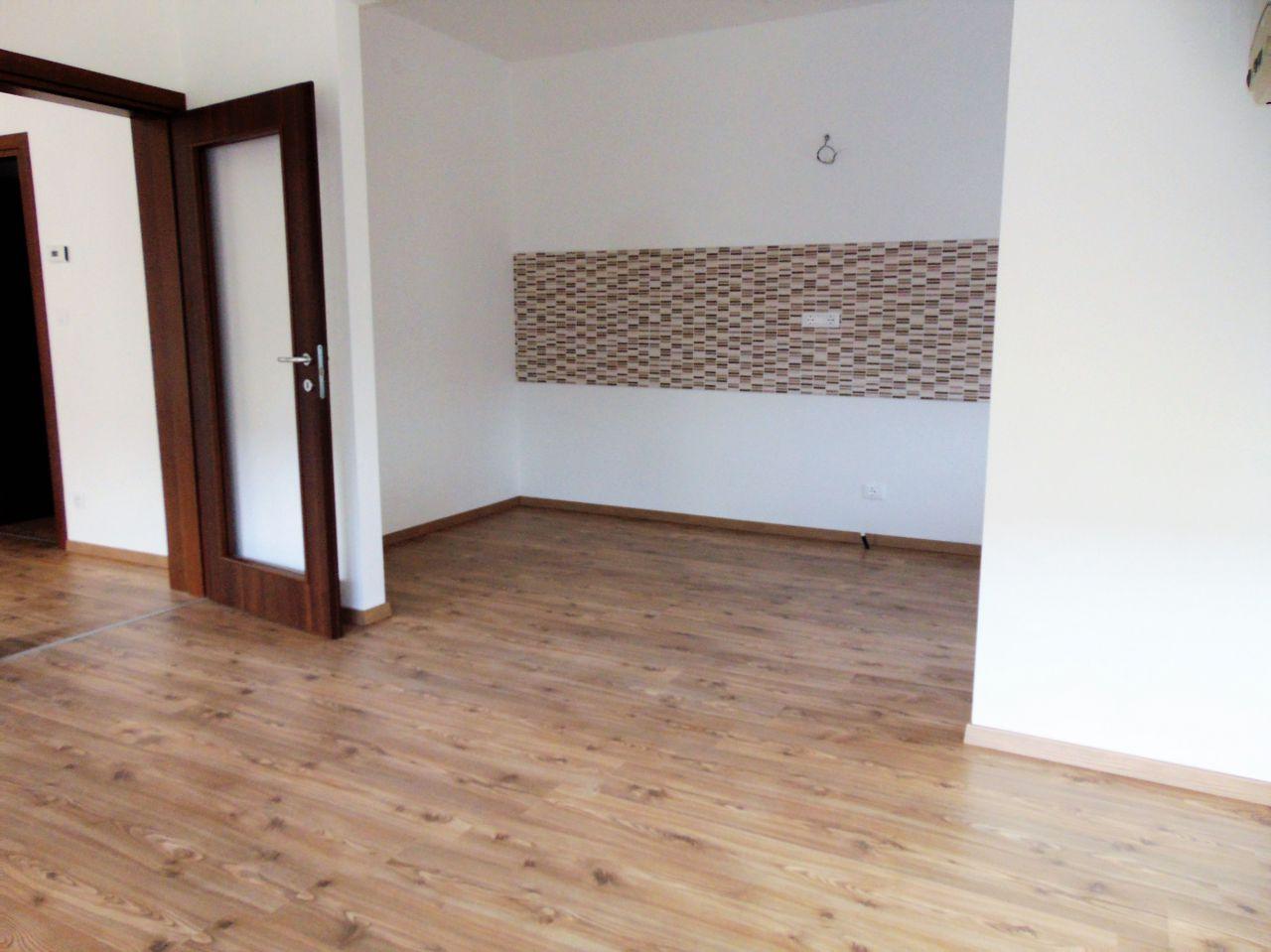 Appartamento in buone condizioni in affitto Rif. 9577769
