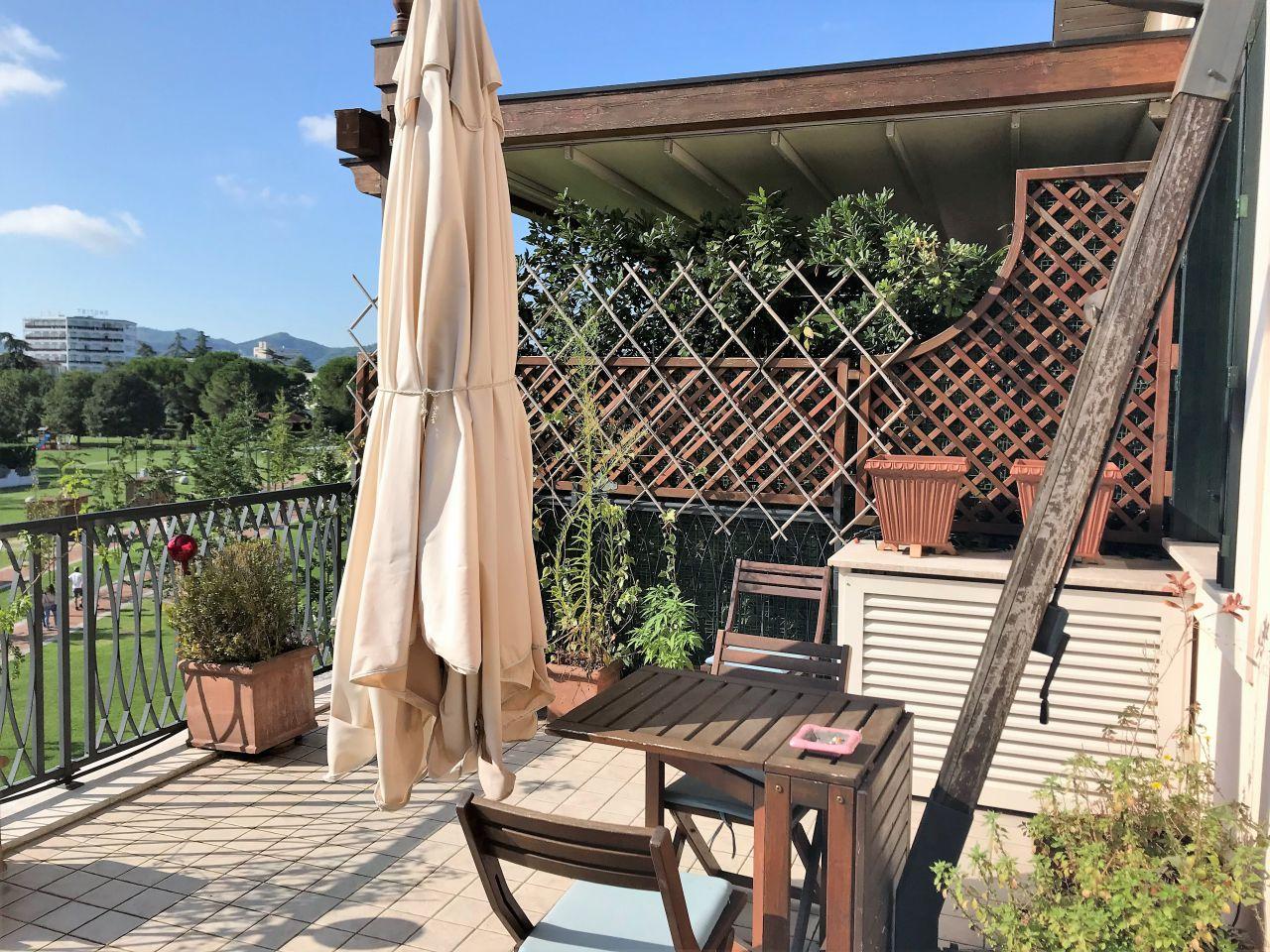 Appartamento in ottime condizioni in vendita Rif. 11076203