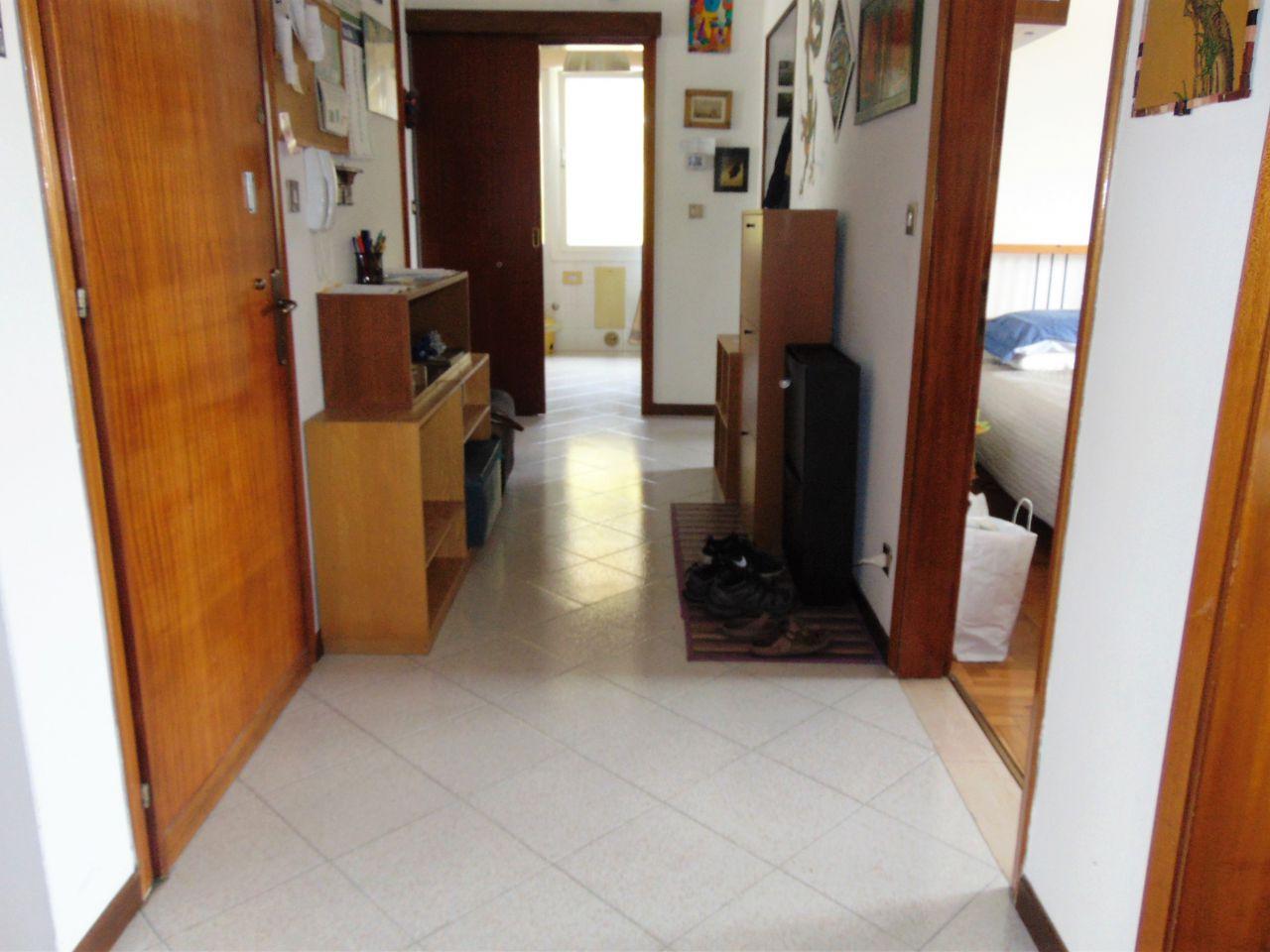 Appartamento in buone condizioni arredato in affitto Rif. 11084814