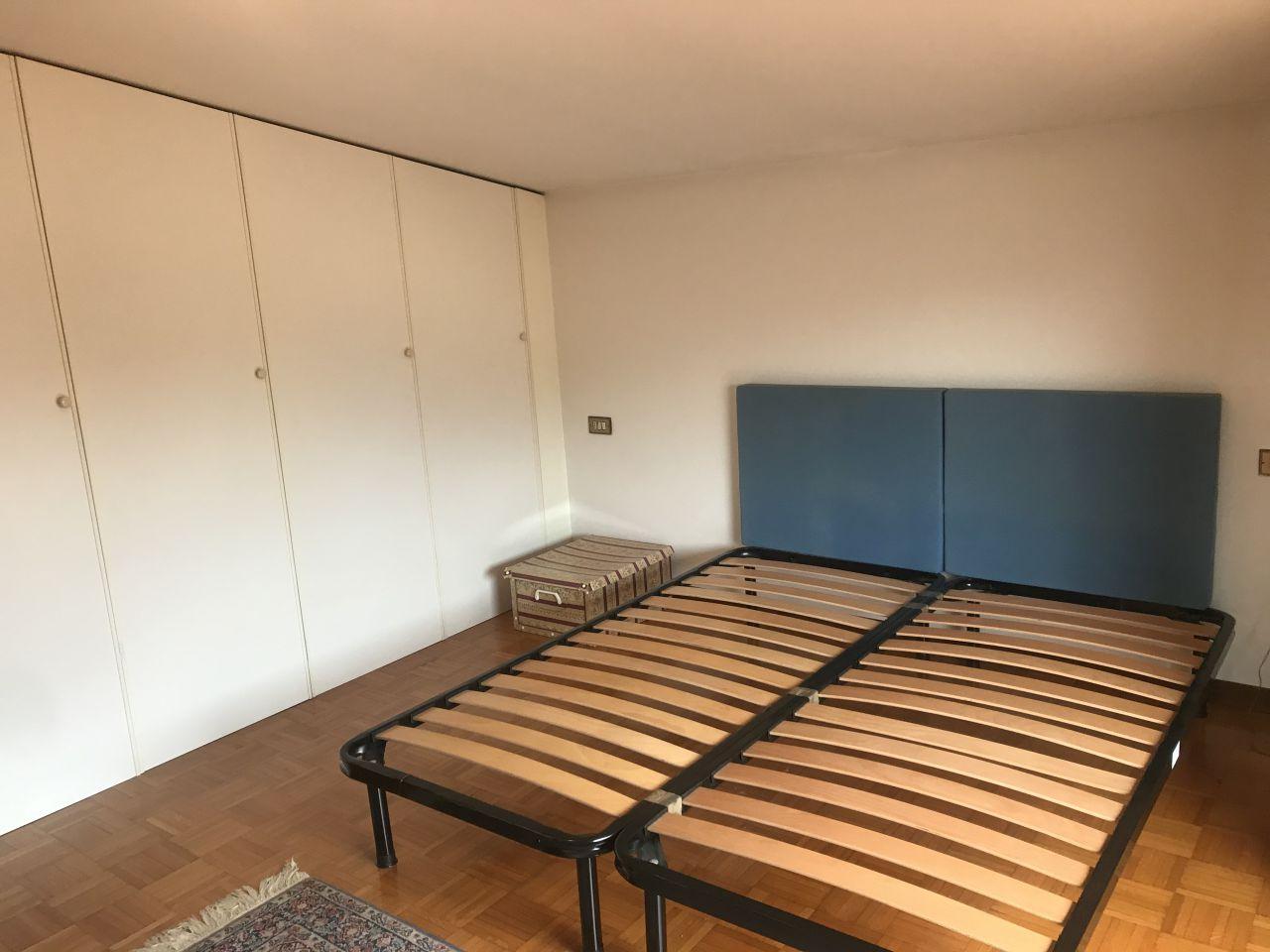 Appartamento in buone condizioni in affitto Rif. 12322769